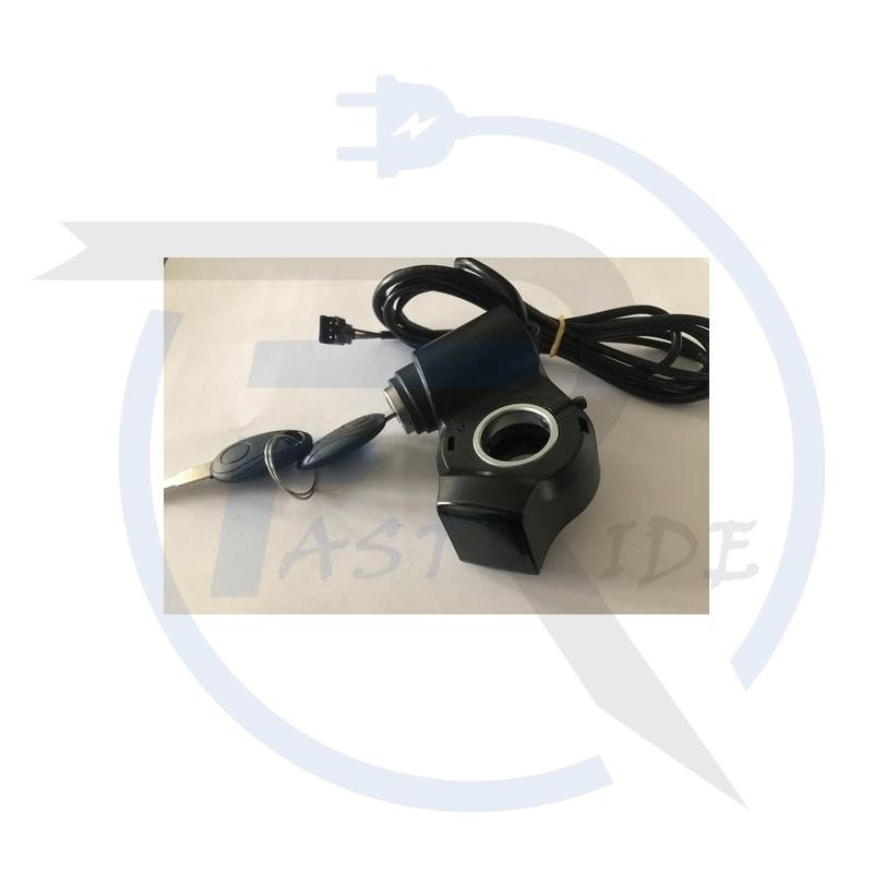 TOUS NOS ACCESSOIRES   Contacteur à clef avec affichage Voltage Clé de contact avec affichage Voltage batterie